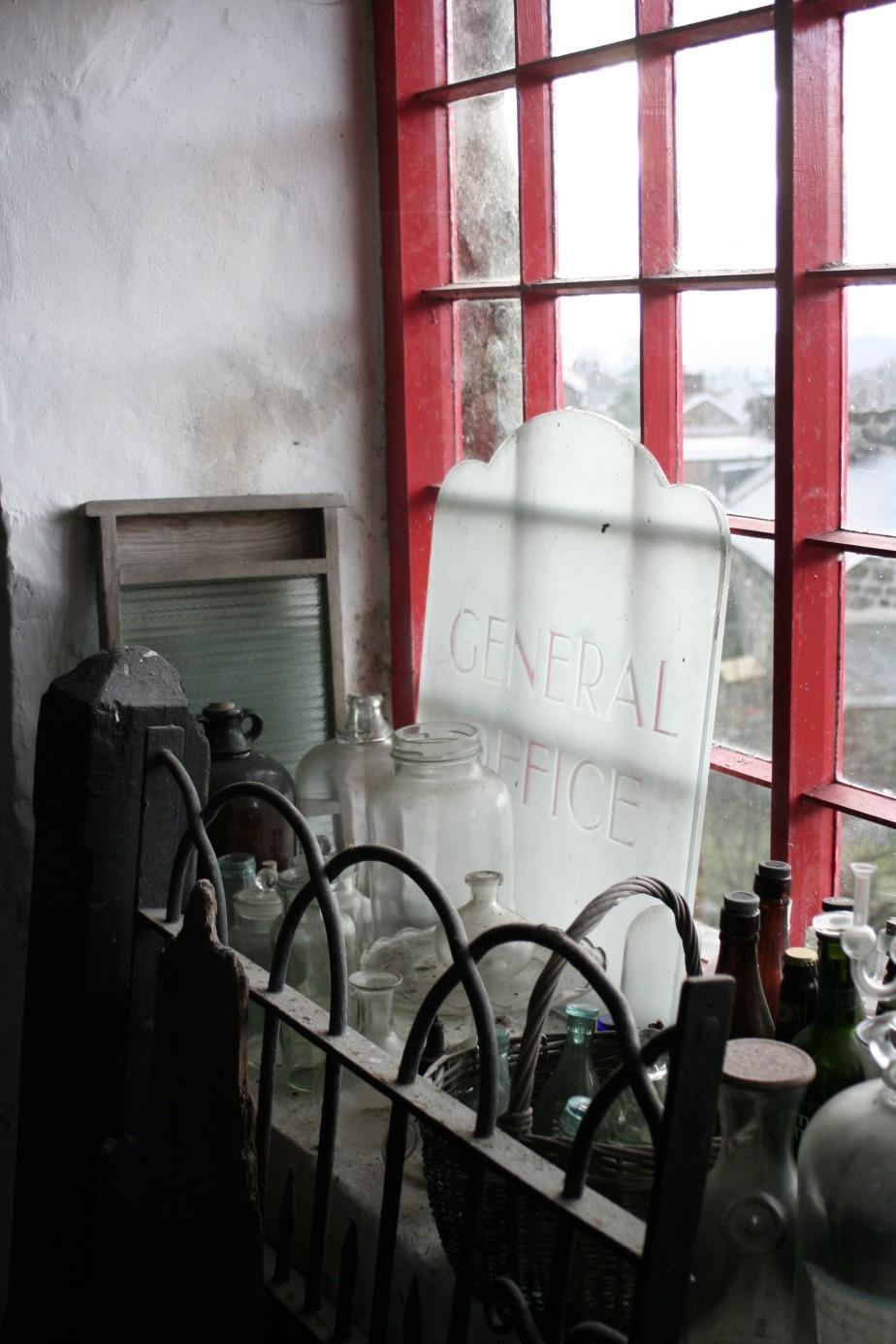 Red window at Melin Pant-yr-Ynn, Blaenau Ffestiniog