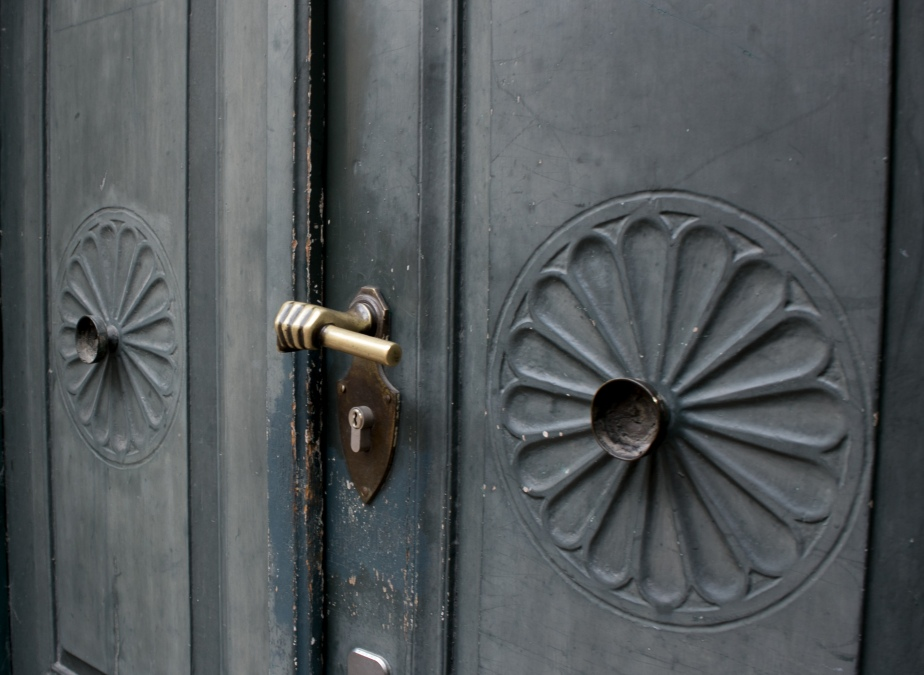 Gothe's Door Handle