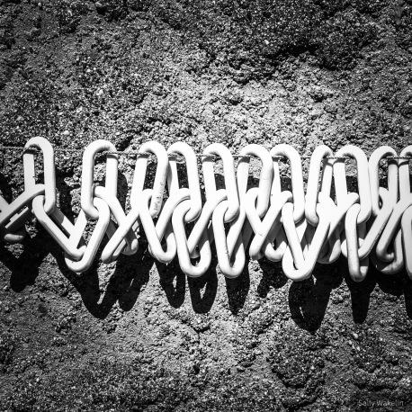 Plastic chain link washing line